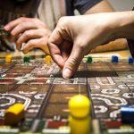 Ouderwets gezellig: bordspellen spelen met je vrienden