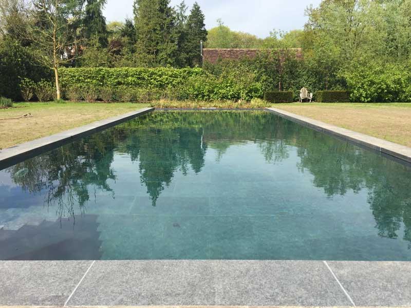 Het alternatief voor het overloopzwembad: het semi-overloopzwembad