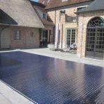 Prachtige zwembaden in je tuin bescherm je met een zwembadafdekking