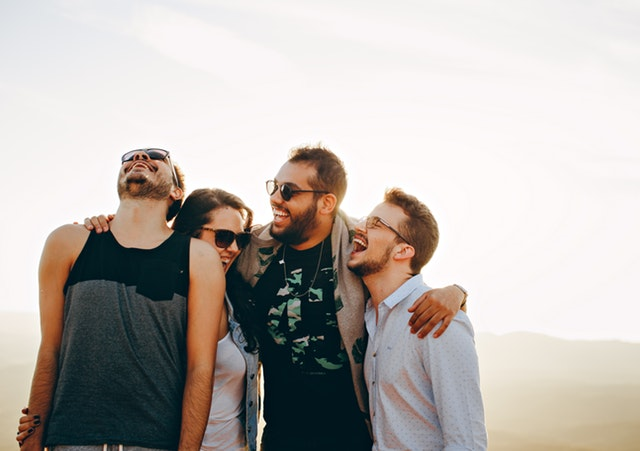 Doen met je vrienden in het nieuwe jaar: bezoek elkaars dorp of stad van afkomst