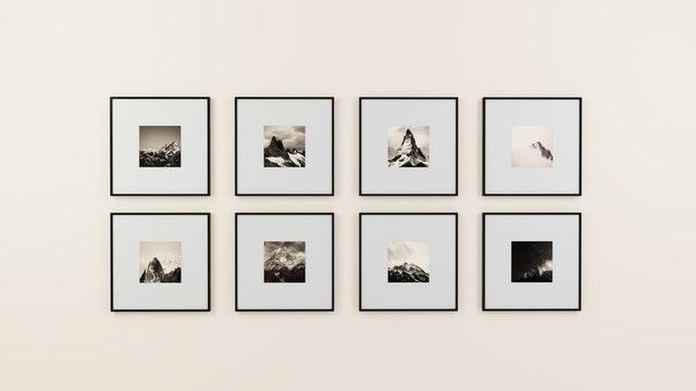 Interieur tip: fotolijstjes aan de muur