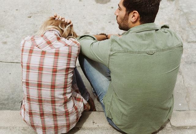 Een halt toe roepen aan altijd maar moeten: minimalisme in je relatie
