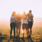 De voordelen van op vakantie gaan met vrienden