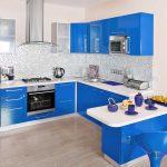 Blauw in de keuken: ga voor opvallend