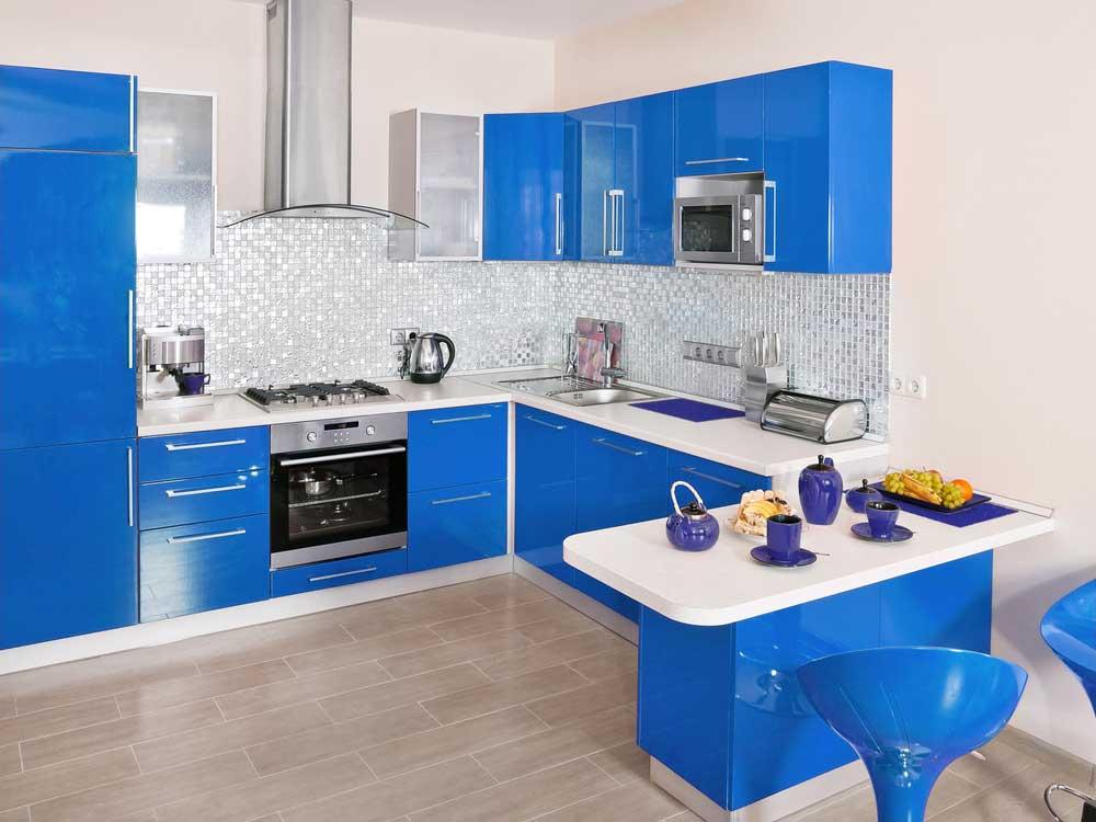 blauw in de keuken ga voor opvallend