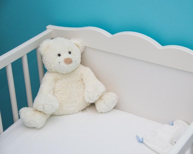 Geef de favoriete knuffelbeer een ereplek in de kinderkamer
