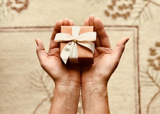 Geef een waardevol cadeau als je naar een bruiloft gaat