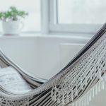 De ultieme eyecatcher in je woning? Een hangmat of schommelstoel